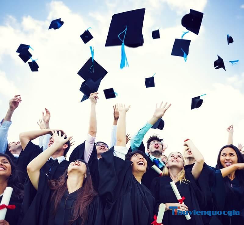 Nhiều tranh cãi khác nhau khi thay đổi luật về bằng đại học chính quy và tại chức
